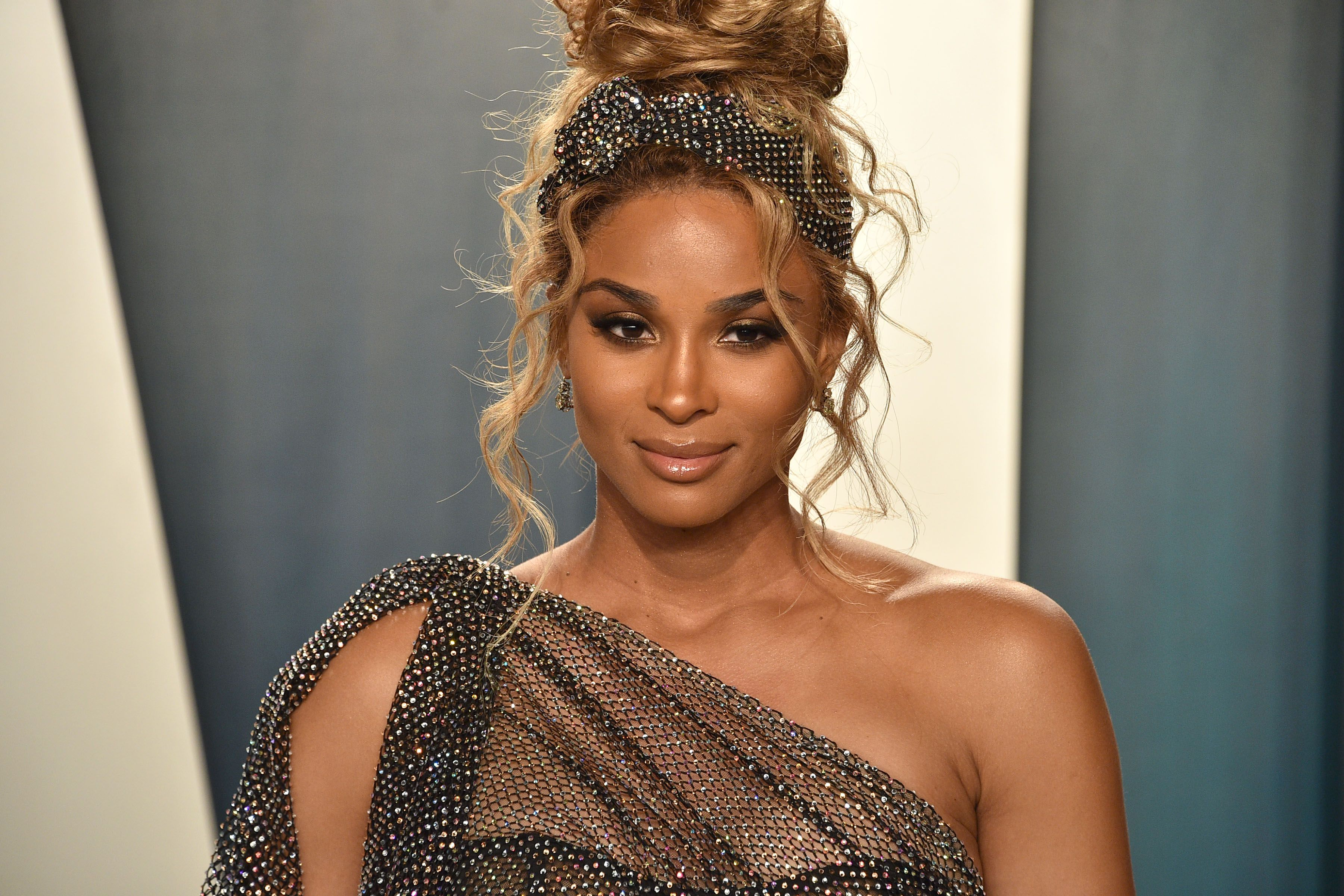 Ciara at the 2020 Vanity Fair Oscar Party at Wallis Annenberg Center for the Performing Arts on February 09, 2020 in Beverly Hills, California | Photo: Getty Images