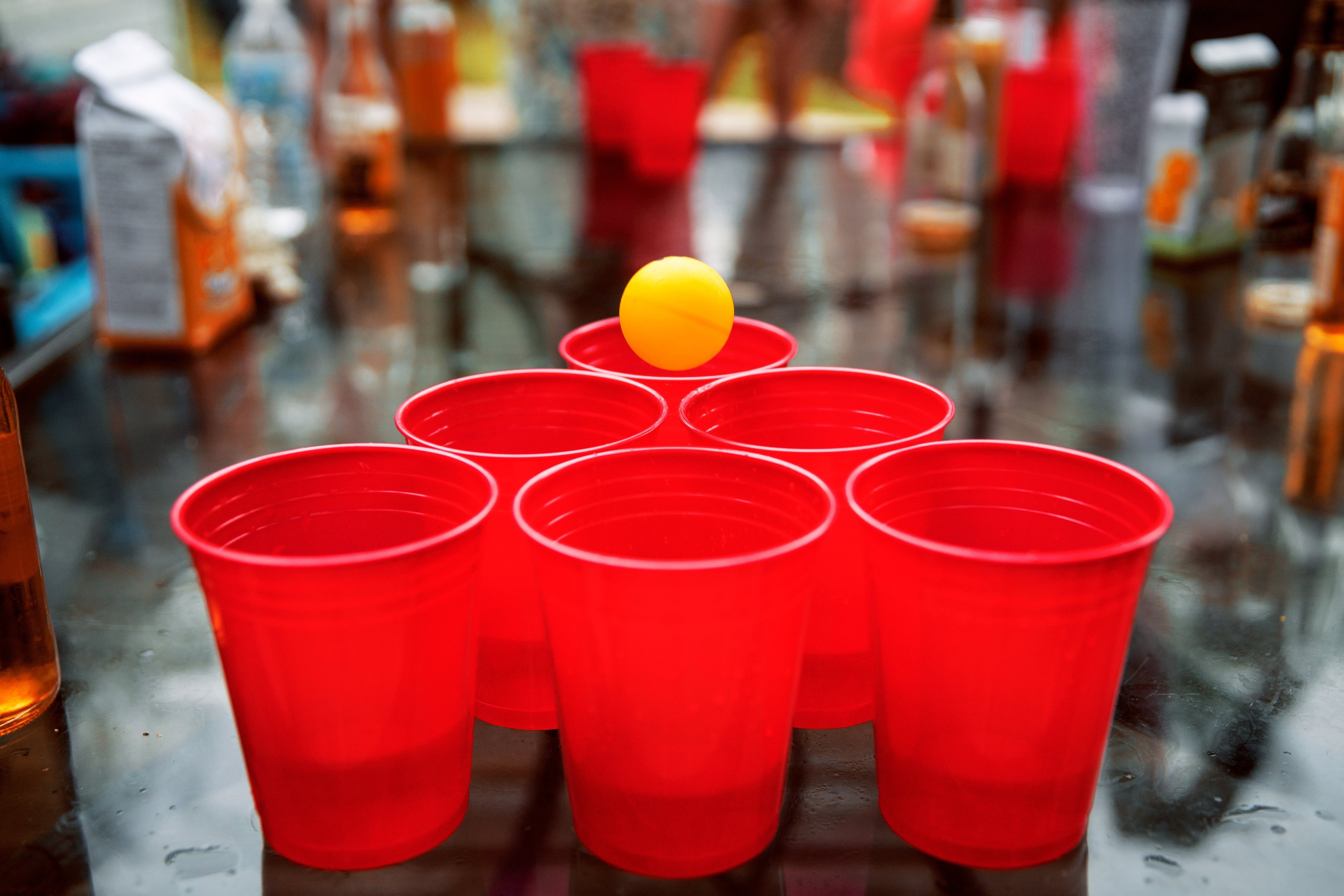 A table set to play beer pong.   Photo: Pexels