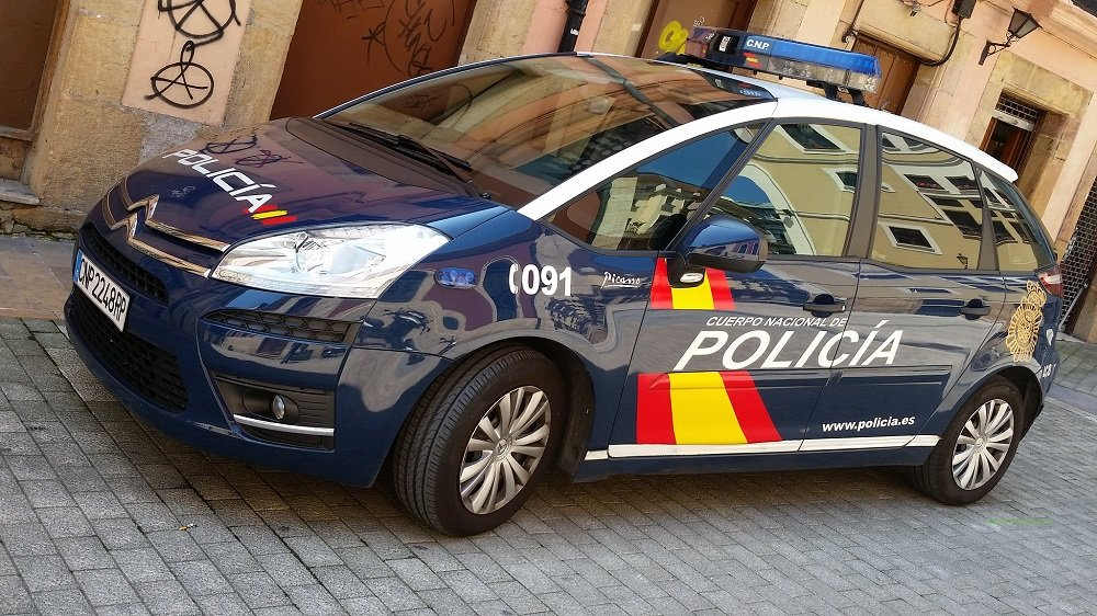 Patrulla de la Policía Nacional de España.   Imagen: Flickr