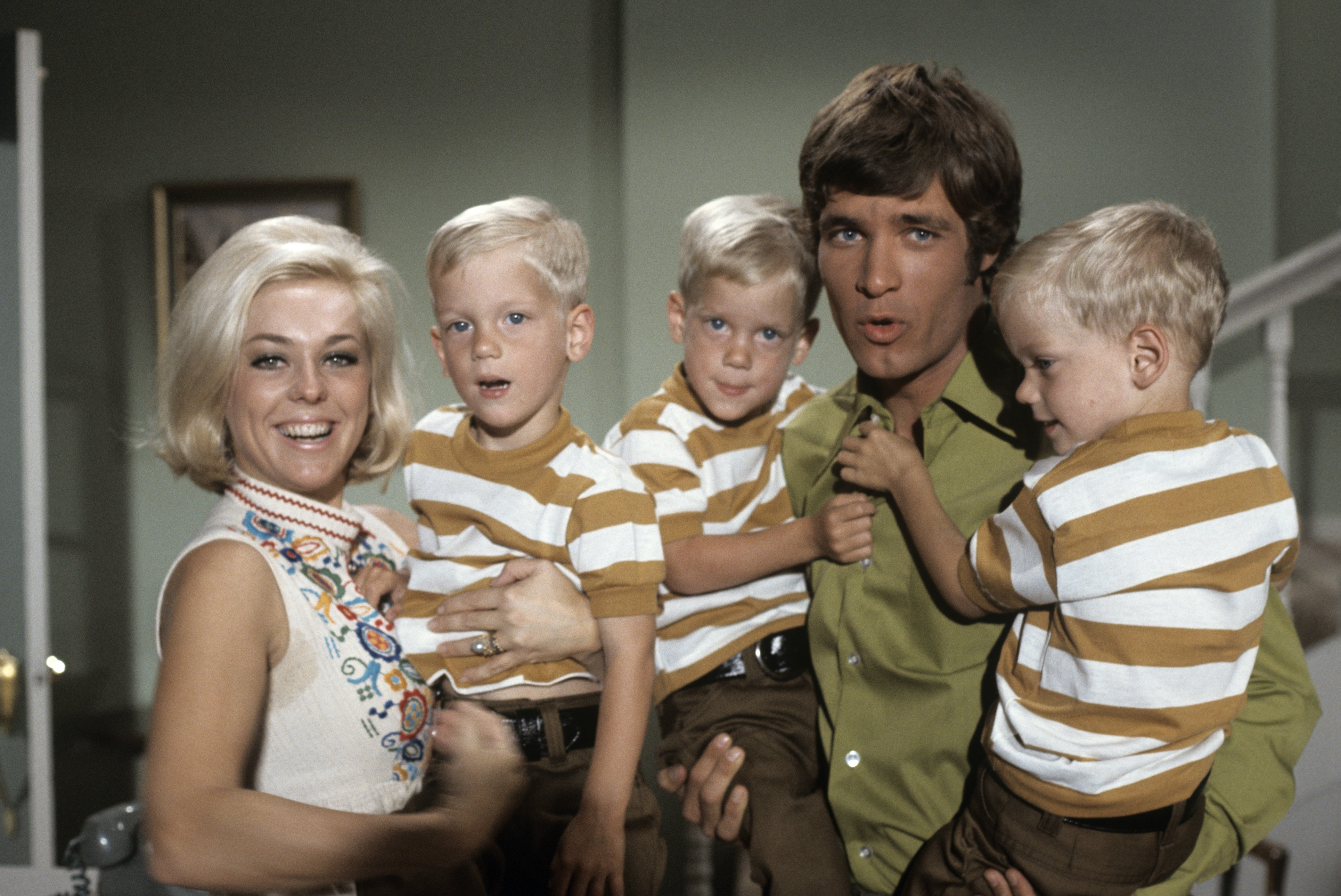 """Tina Cole, Don Grady and extras on """"My Three Sons"""" in September 2, 1960-1972. 