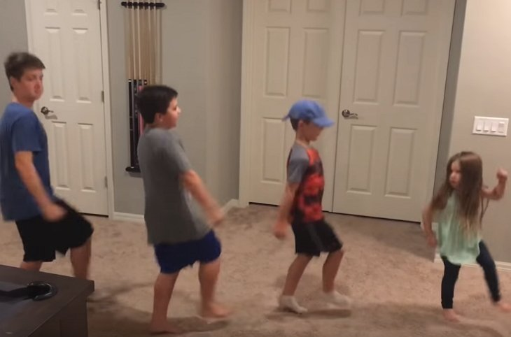 "The siblings dancing to ""Rolex"" 