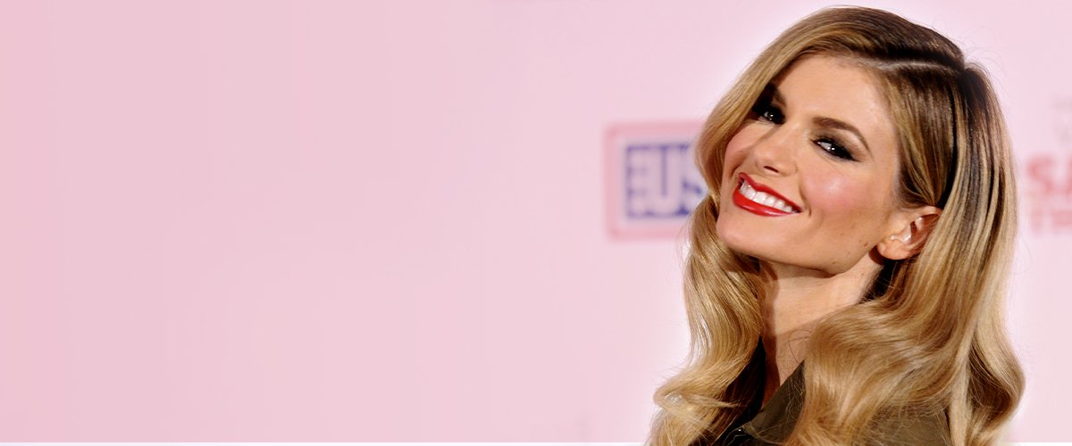 Marisa Miller at Marine Corps Air Station Miramar on December 3, 2010 in San Diego, California | Photo: Getty Images