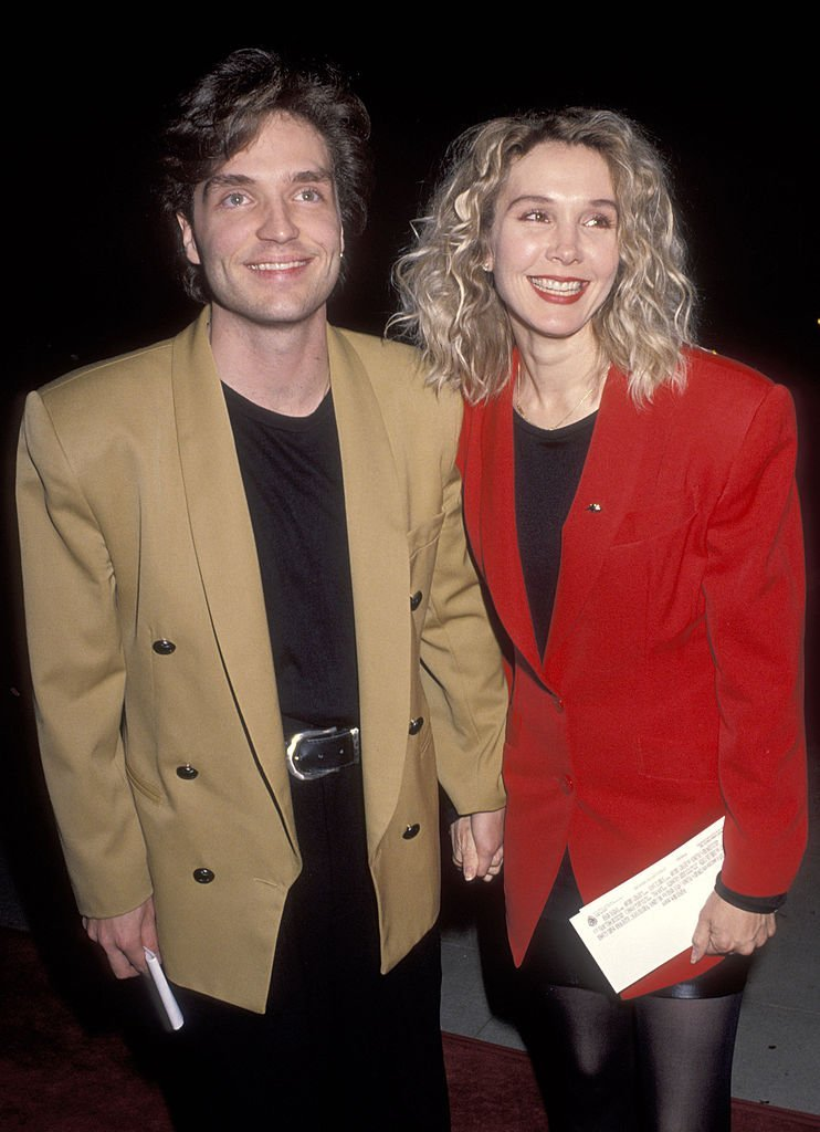 Richard Marx and actress Cynthia Rhodes attend the Forever Young Beverly Hills Premiere on December 10, 1992 | Photo: GettyImages