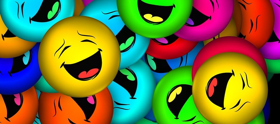 Smiley têtes amusées. | Source : Pixabay