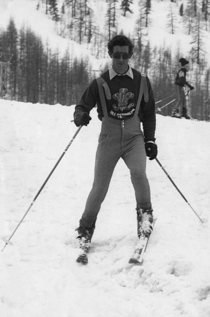 Prince Charles skis on the International Trials course at the Isola 2000 resort in the French Alps | Photo: Getty Images