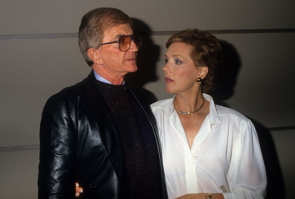 Blake Edwards and Julie Andrews pose for a portrait in circa 1985 in Los Angeles, California. | Source: Getty Images