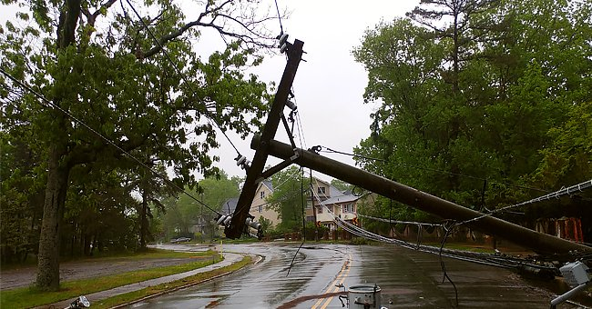 Florida Teenager Dies after Car Strikes a Fallen Power Line That Had Downed During Severe Storm