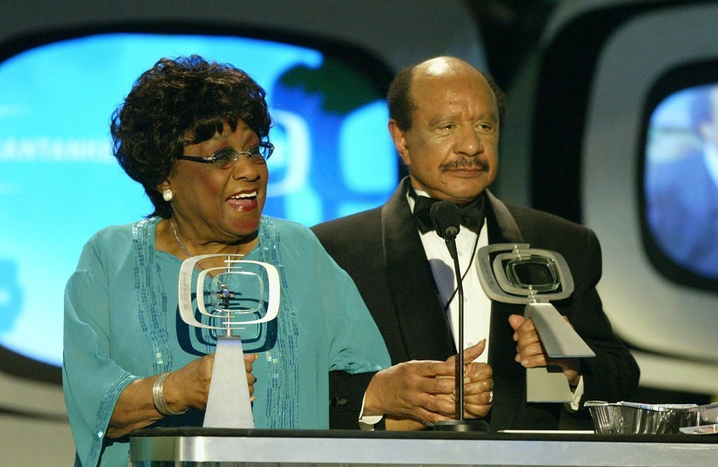 Actress Isabel Sanford (left) and Actor Sherman Hemsley pick up their Favorite Cantankerous Couple awards on stage at the 2nd Annual TV Land Awards held | Photo: Getty Images