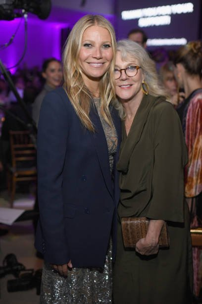 Gwyneth Paltrow and Blythe Danner at the 11th Annual Golden Heart Awards benefiting God's Love We Deliver on October 16, 2017 in New York City | Photo: Getty Images
