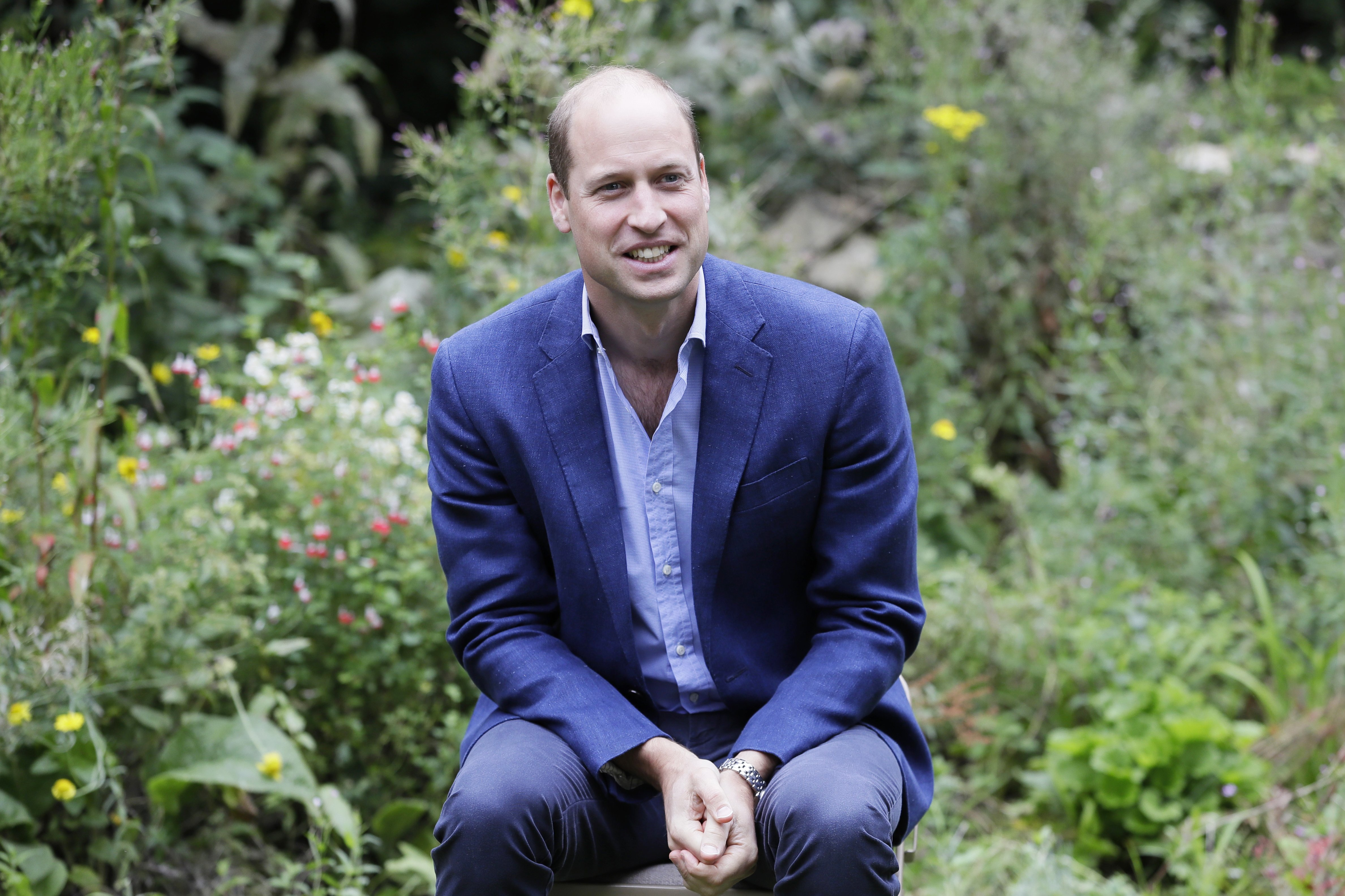 Prince William, Duke of Cambridge speaks with service users during a visit to the Garden House part of the Light Project on July 16, 2020 in Peterborough, England   Photo: Getty Images