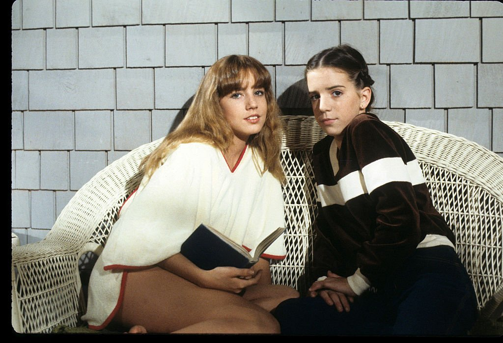 """Dana Plato and Quinn Cummings on the set of """"Letting Go""""   Photo: Getty Images"""