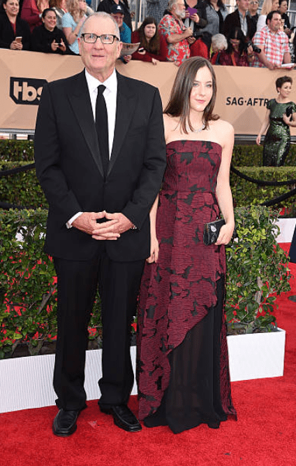Ed O'Neill and his daughter, Sophia O'Neill pose on the red carpet at the 22nd Annual Screen Actors Guild Awards on January 30, 2016 in Los Angeles, California | Source: Getty Images (Photo by Steve Granitz/WireImage)