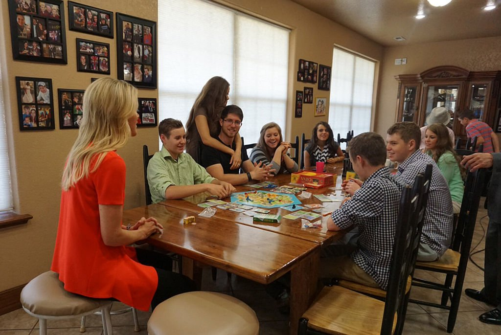 "Megyn Kelly sits down with the Duggar children of the TLC program ""19 Kids and Counting"" 