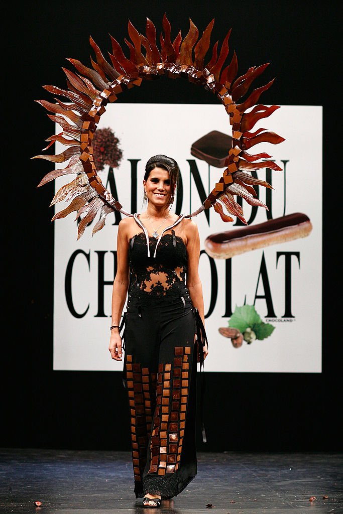 Karine Ferri au Salon du Chocolat en 2008. l Source : Getty Images