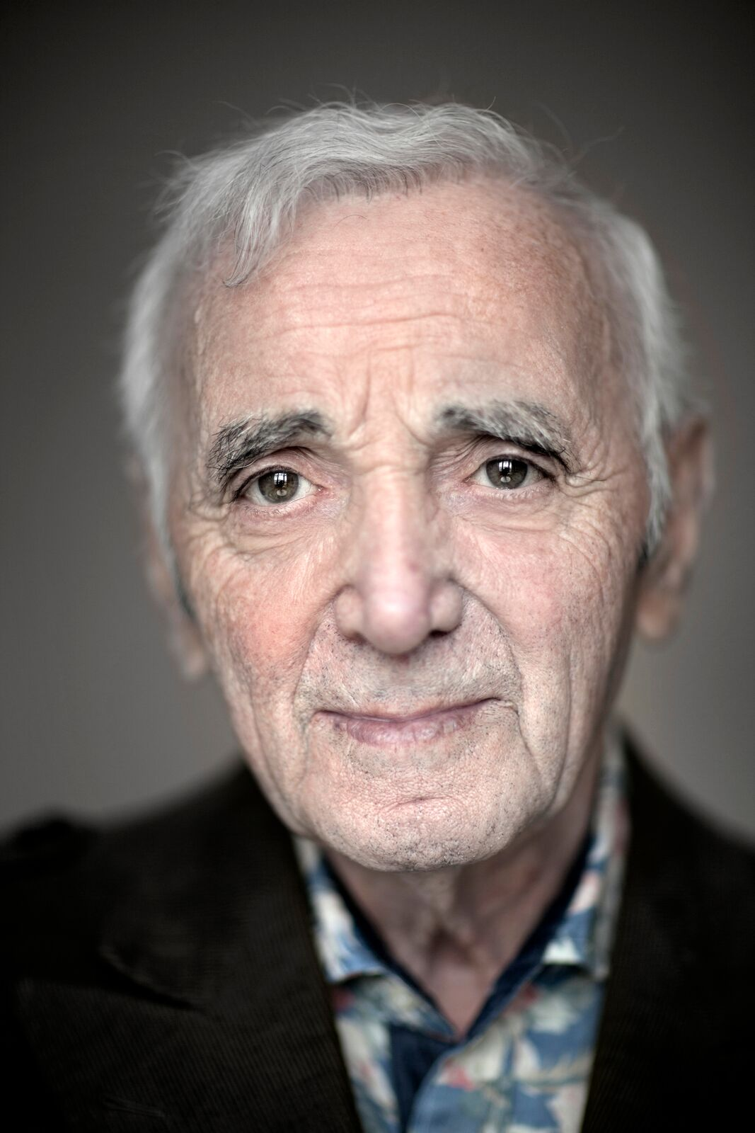Le chanteur français Charles Aznavour photographié à Madrid, Espagne. | Photo : GettyImage