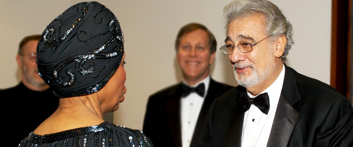 Plácido Domingo, acusado de acoso sexual por nueve mujeres del mundo de la ópera