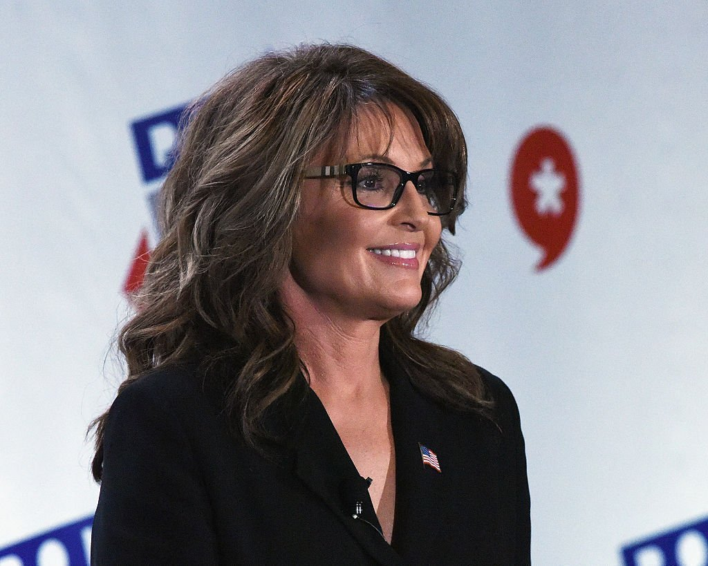 Sarah Palin speaks during her appearance at Politicon at Pasadena Convention Center. | Photo: Getty Images