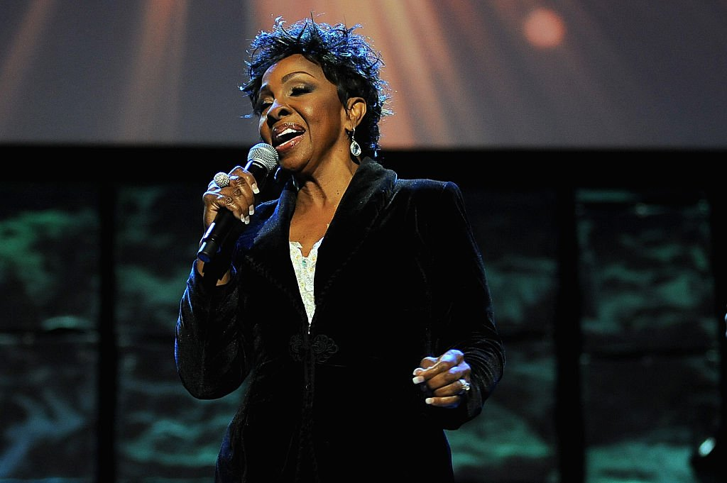 Soul singer Gladys Knight during her 2015 performance at the 16th Annual Super Bowl Gospel celebration in Arizona. | Photo: Getty Images