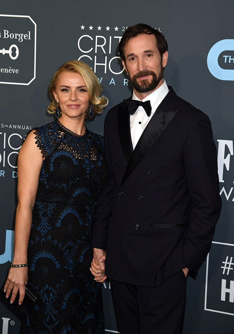 Sara Wells and Noah Wyle attend the 25th Annual Critics' Choice Awards at Barker Hangar on January 12, 2020 in Santa Monica, California. I Image: Getty Images.