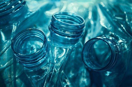 Botellas plásticas usadas. | Imagen: Getty Images
