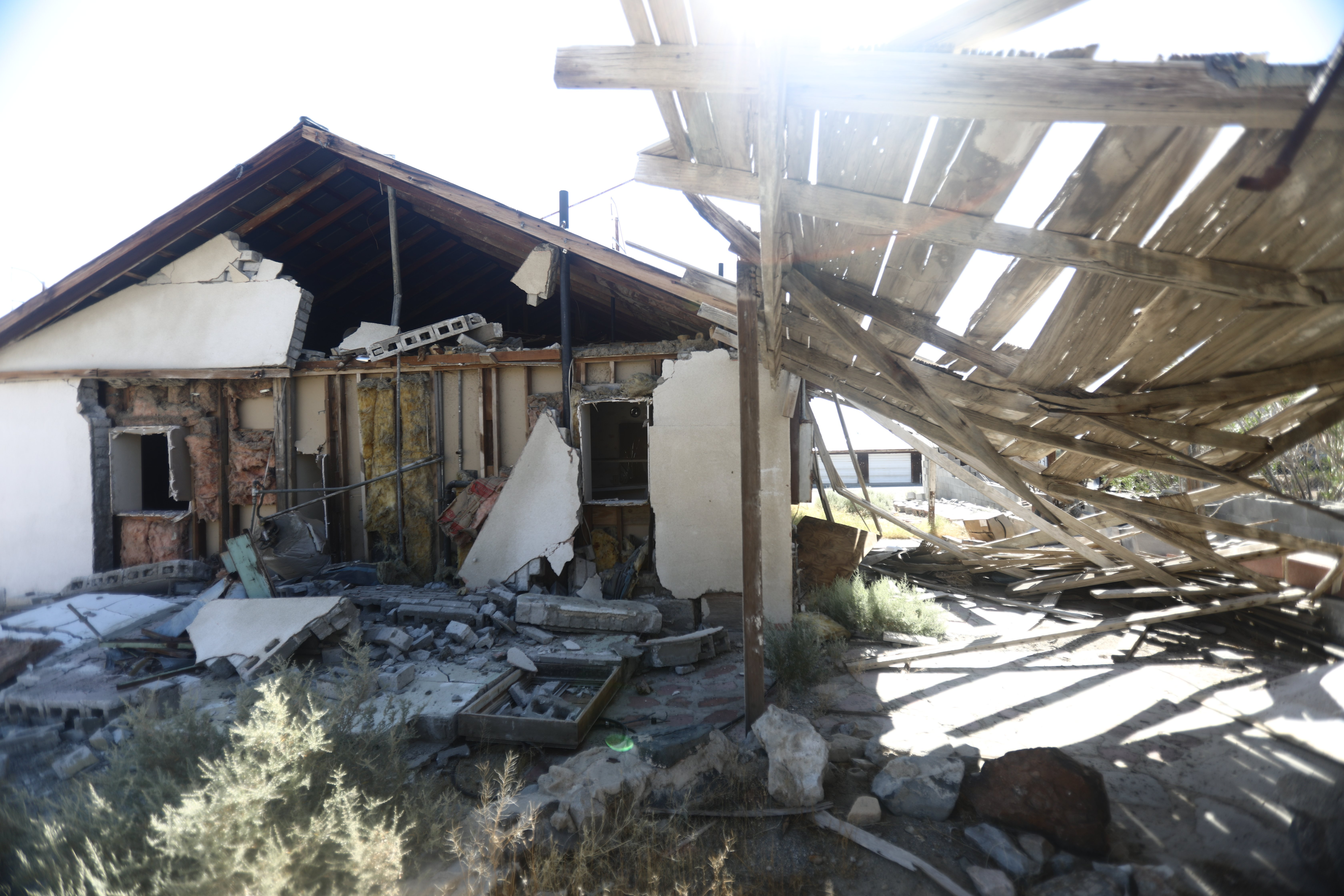 A house damaged by the 7.1 magnitude earthquake in Trona, California   Photo: Getty Images