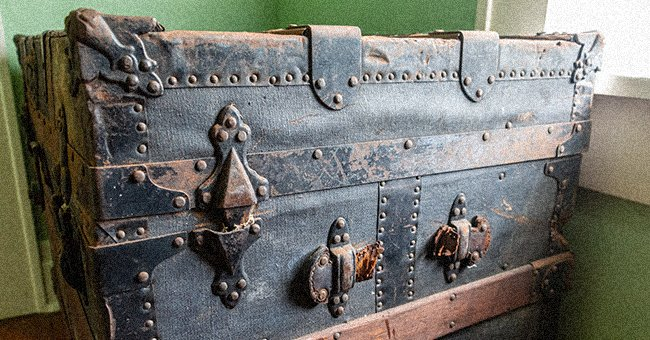 Man's Youngest Son Inherits Nothing but an Old Trunk So His Brothers Mock Him, Things Change When He Looks inside – Story of the Day
