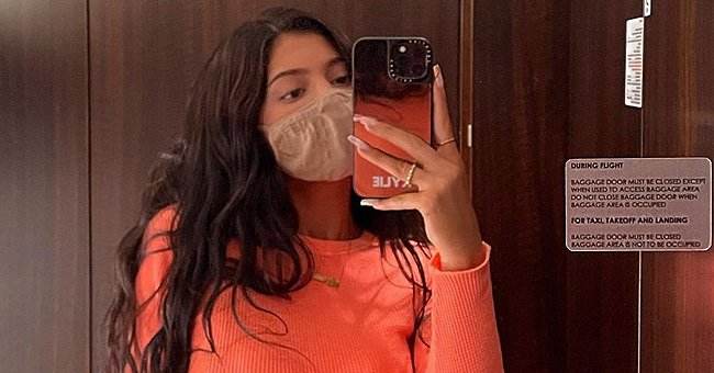Kylie Jenner Accessorizes Her Toned Abs and Hourglass Figure with a Gold Chain – See the Pic Here