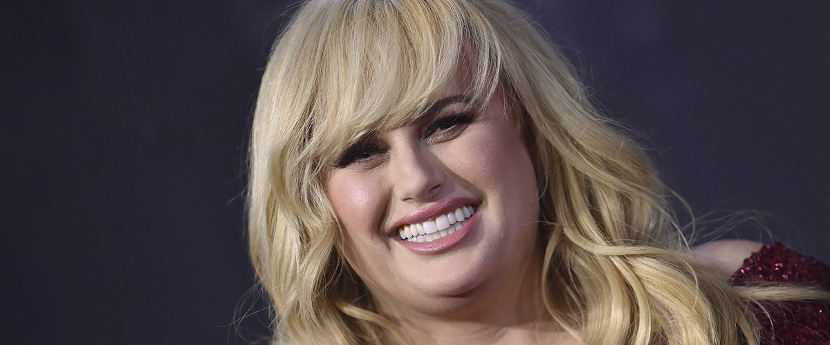 Rebel Wilson Stuns Fans with Low-Cut Swimsuit in New Beach Selfie Following Dramatic Weight Loss
