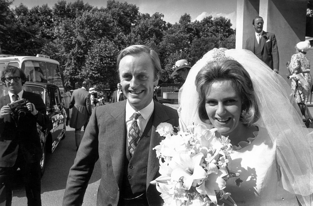 Camilla Shand and Captain Andrew Parker Bowles outside the Guards' Chapel on their wedding day on July 4, 1973. | Photo: Getty Images