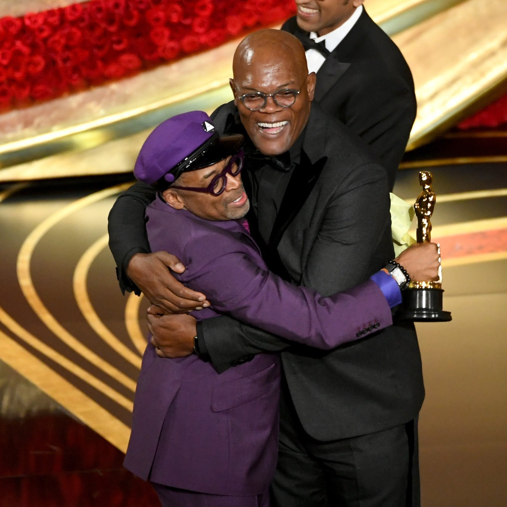 Samuel L Jackson hugging Spike Lee at the 2019 Academy Awards | Photo: Getty Images