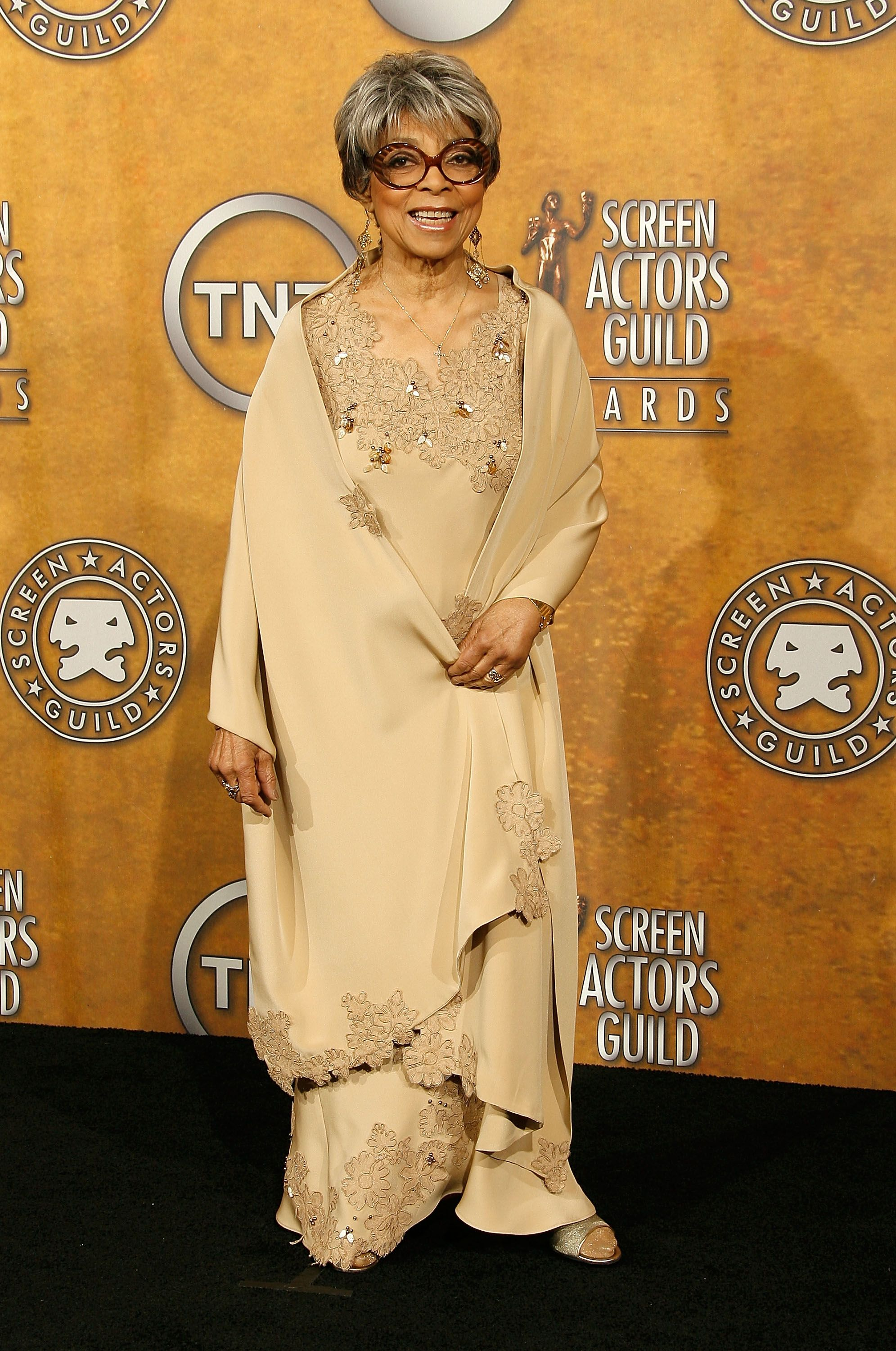 Actress Ruby Dee poses in the press room at the 14th annual Screen Actors Guild awards held at the Shrine Auditorium on January 27, 2008 | Photo: Getty Images