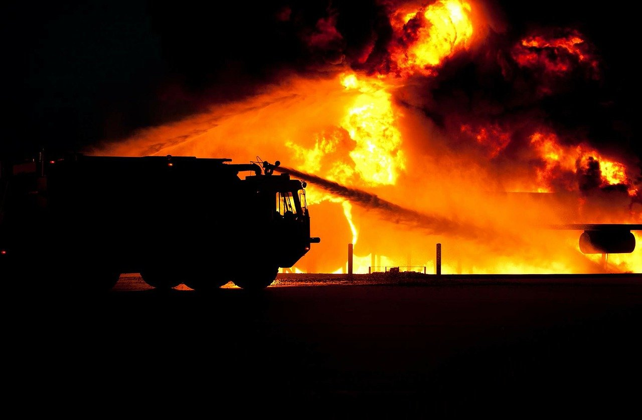Un incendie de grande envergure. | Photo : Pixabay