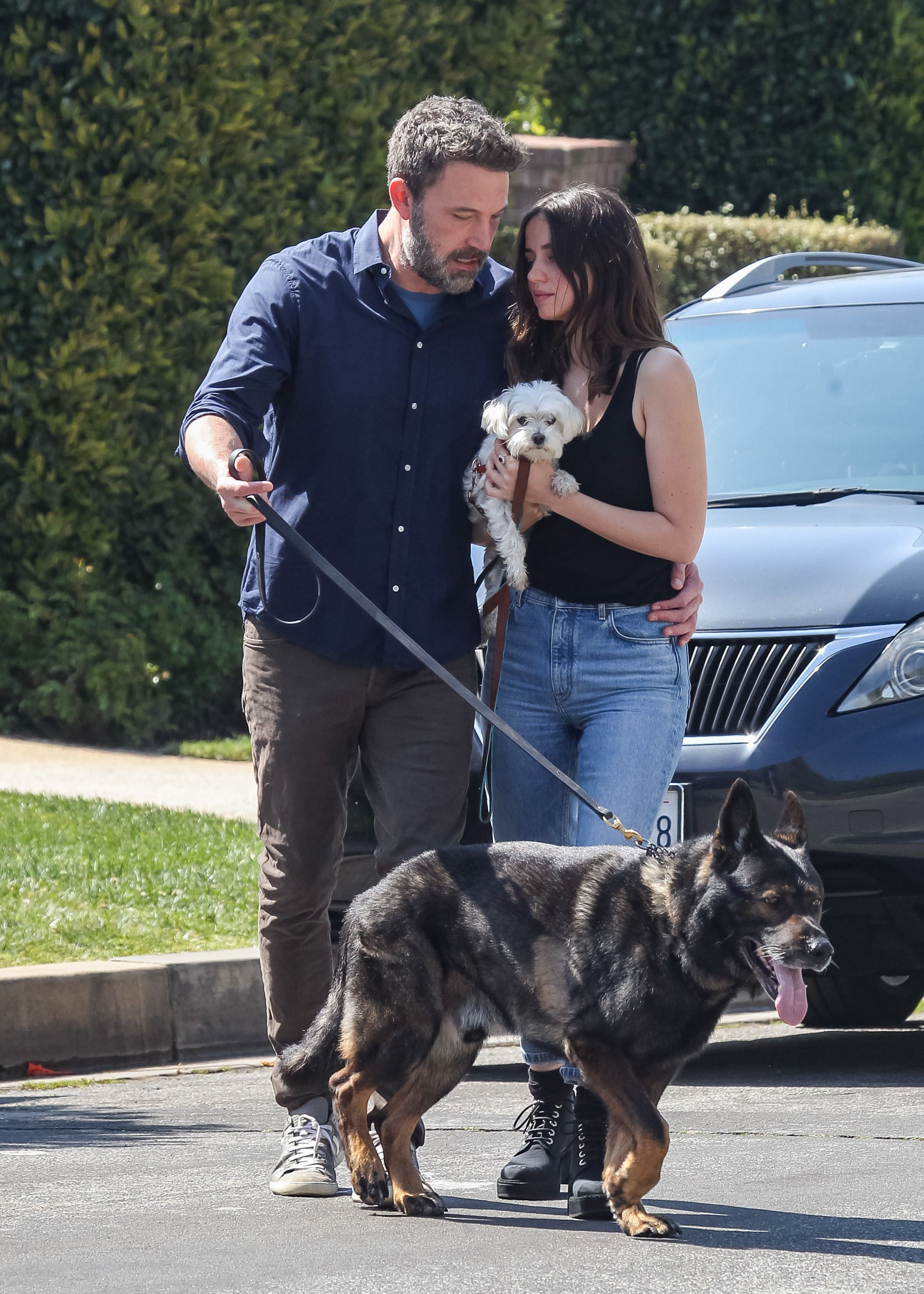 Ben Affleck and Ana de Armas in Los Angeles, California in April 2020 | Source: Getty Images