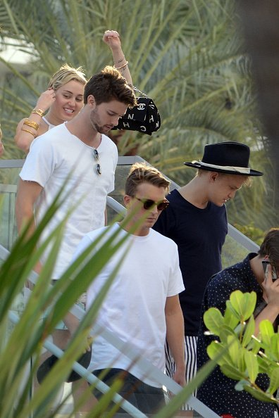 Miley Cyrus and Cody Simpson is sighted at La Cote in the Fontainebleau Miami Beach Florida | Photo: Getty Images