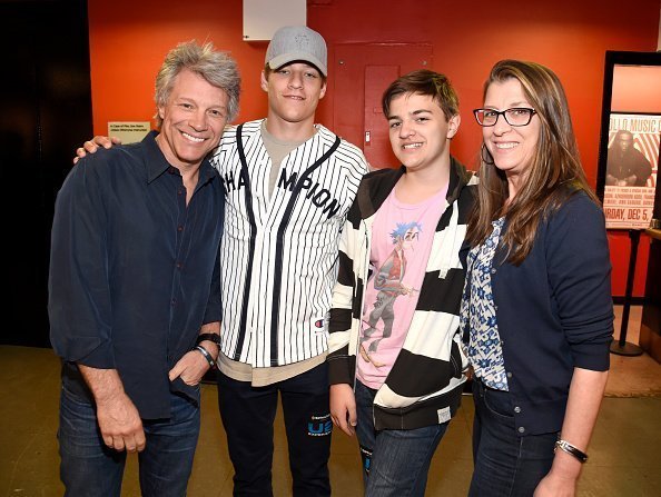 Jon Bon Jovi, Jesse, Romeo, and Dorothea Hurley at The Apollo Theater on June 11, 2018 in New York City. | Photo: Getty Images