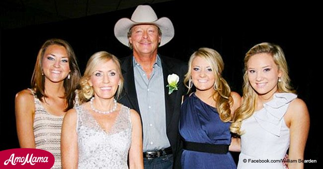 Alan Jackson shared his holiday plans for this year and they are just the way he likes them