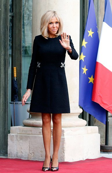 Brigitte Macron attend les invités avant un déjeuner au Palais présidentiel de l'Élysée le 30 septembre 2019 à Paris, France. | Photo : Getty Images