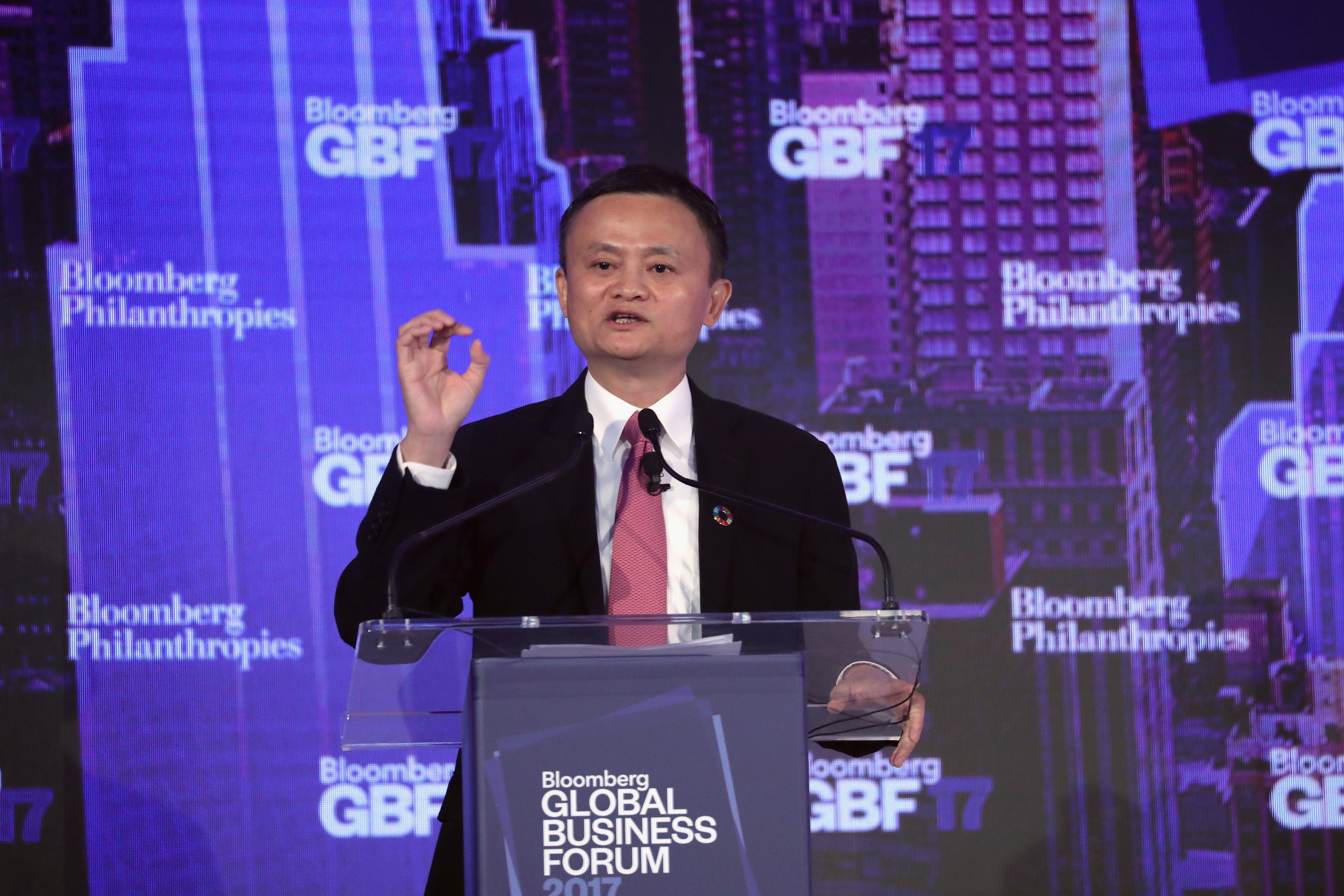 Jack Ma delivering a speech at the Bloomberg Global Business Forum in New York City | Photo: Getty Images