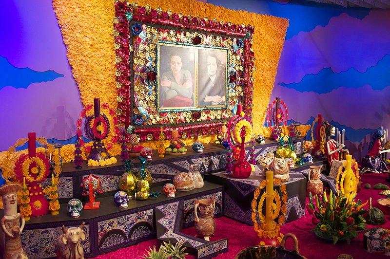 Altar del día de los muertos.| Fuente: Wikipedia