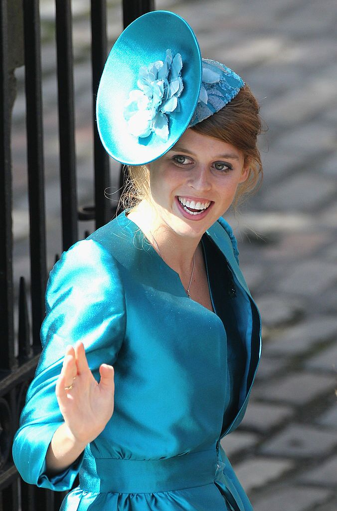 Princess Beatrice arrives at Canongate Kirk on the afternoon of the wedding of Mike Tindall and Zara Philips on July 30, 2011 | Photo: Getty Images
