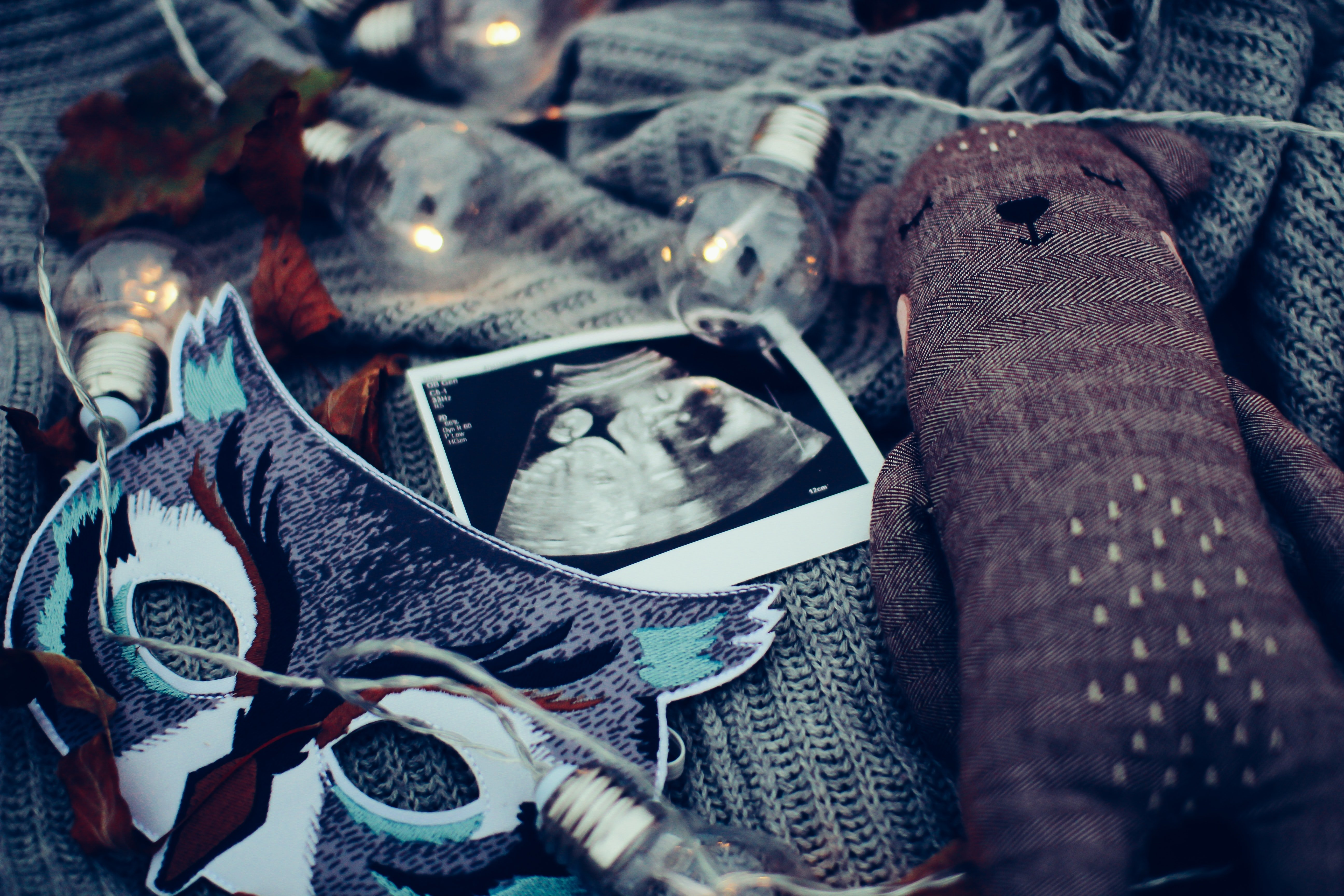 Mom-to-be plans a sweet surprise to reveal her pregnancy | Photo: Unsplash/daiga_ellaby