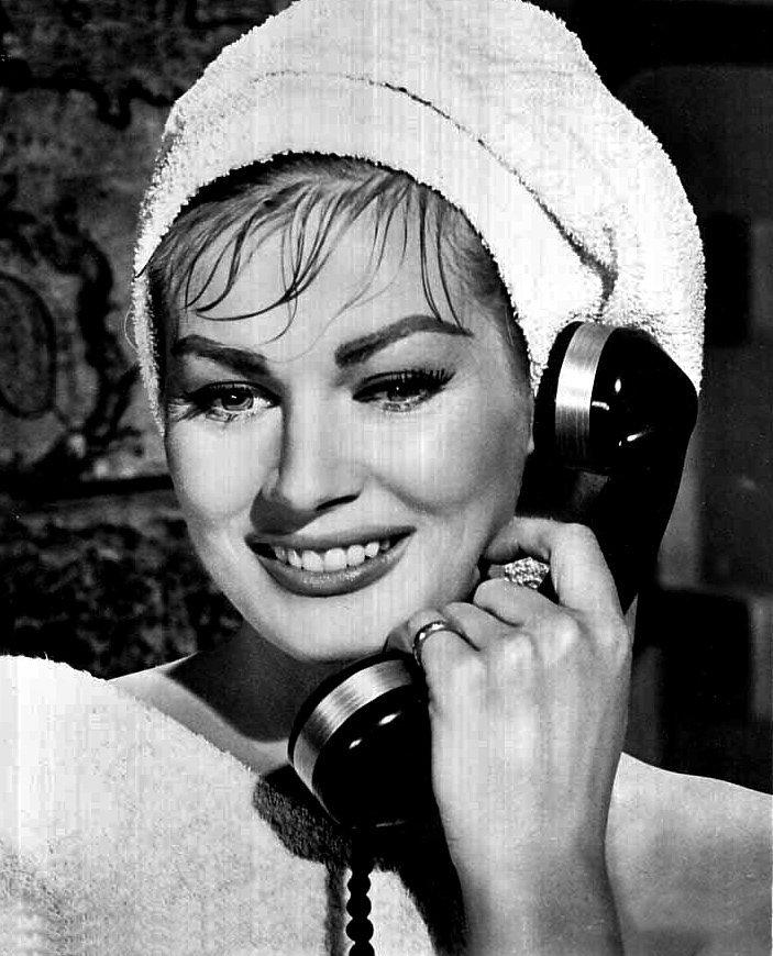 Anita Ekburg en 1956 l Source: Wikimedia Commons