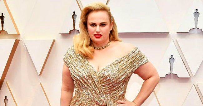 Rebel Wilson from 'Jojo Rabbit' Shows off Significant Weight Loss in Gold Sequined Gown at the 2020 Oscars