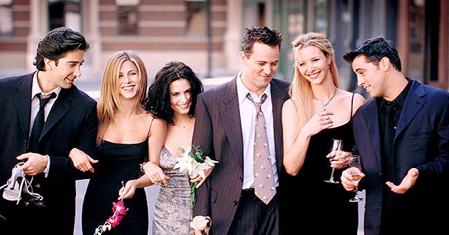 """Courteney Cox retrouve Jennifer Aniston et Matt LeBlanc (""""Friends"""") pour une photo rare"""