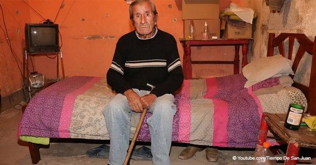 Anciano de 70 años vivía en su auto, hasta que una familia lo adoptó y cambió su vida