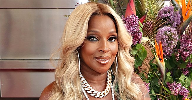 Mary J Blige Enjoys Auntie Duties as She's All Smiles with Her Nephews and Nieces in a Snap