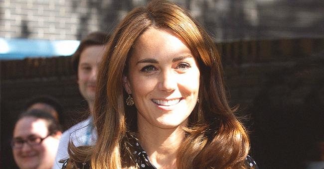 Kate Middleton met sa silhouette mince en avant dans un haut à pois et un pantalon large