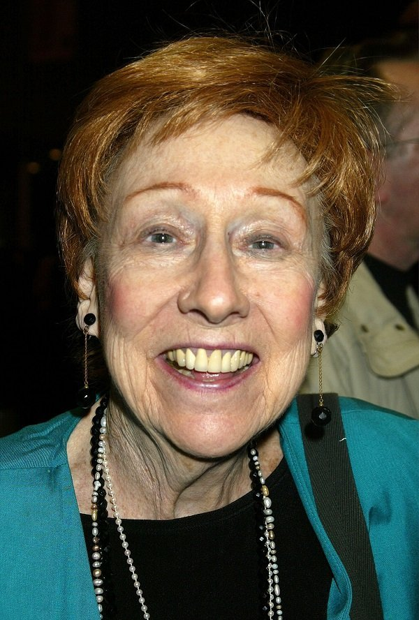 Jean Stapleton on January 29, 2002 at the Booth Theatre in New York City | Source: Getty Images