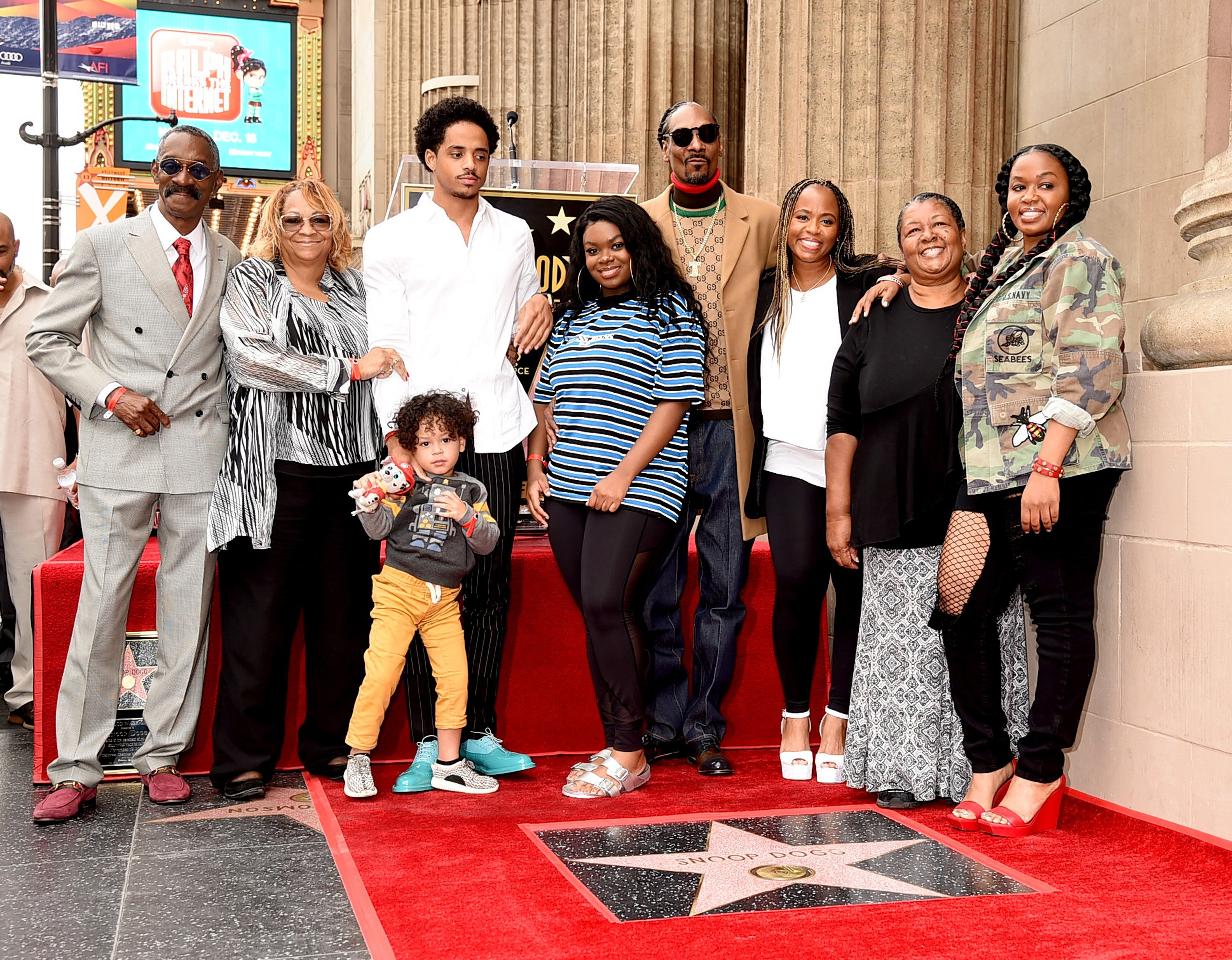 Snoop Dogg, with his family, receiving a star on The Hollywood Walk of Fame on November 19, 2018 in Los Angeles, California.   Photo: Getty Images