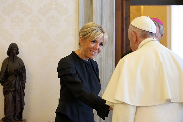 Pope Francis and Brigitte Macron during a private audience on June 26, 2018 at the Vatican. |Photo : Getty Images